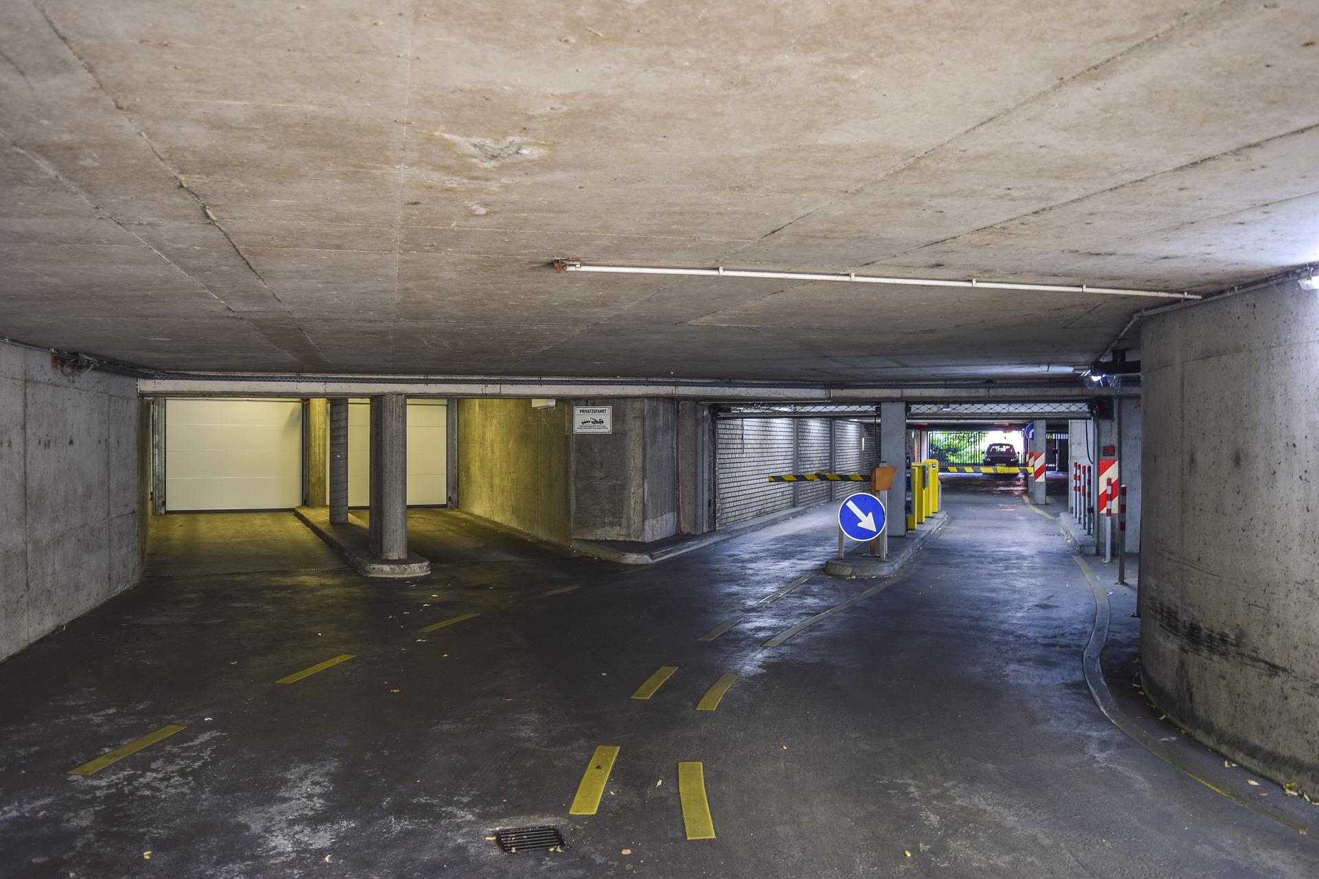 Особенности ПДД на стоянках и в парковочных комплексах